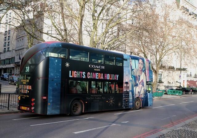 Arriva London - LT4 - LTZ1004 - CoachUK