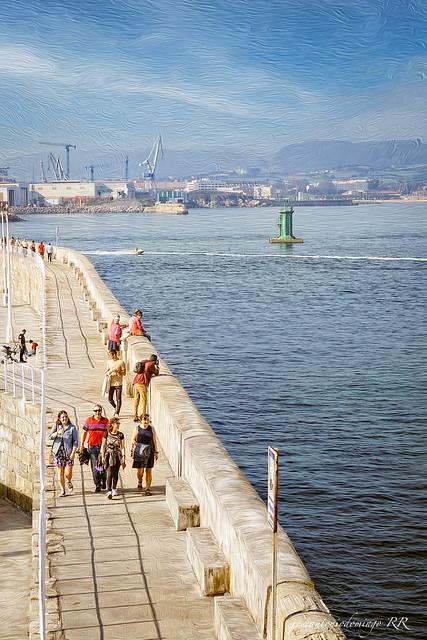 Gijón. Rompeolas de la Punta Liquerique.