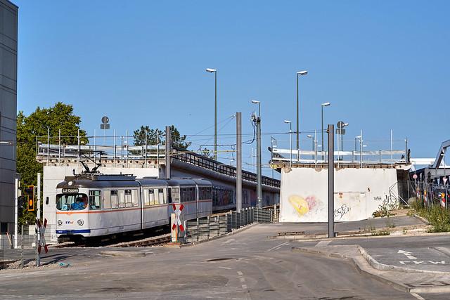 RNV_1017/1057_Ludwigshafen Berliner Platz 18.09.2020 [Linie 8]