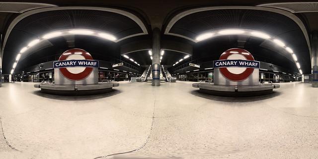 360º   Canary Wharf underground station