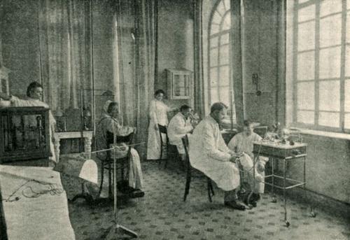 Электролечебный кабинет Шихобаловской больницы. Самара, 1908 год.