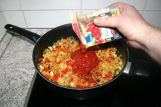 28 - Deglaze with tomato in pieces / Mit Tomatenstücken ablöschen