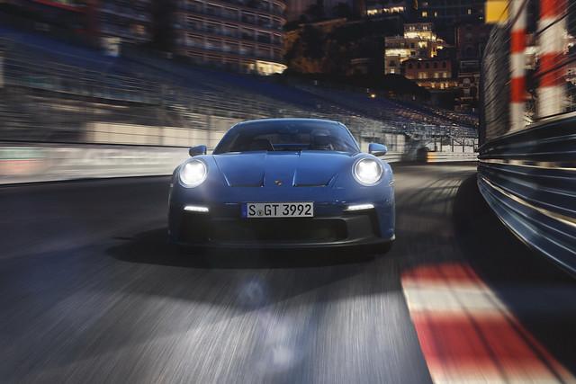 2022-Porsche-911-GT3-01