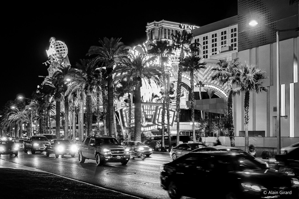 Las Vegas Boulevard 50950974531_c7cd54b0f3_b