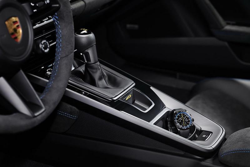 2022-Porsche-911-GT3-10