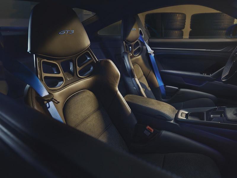 2022-Porsche-911-GT3-09