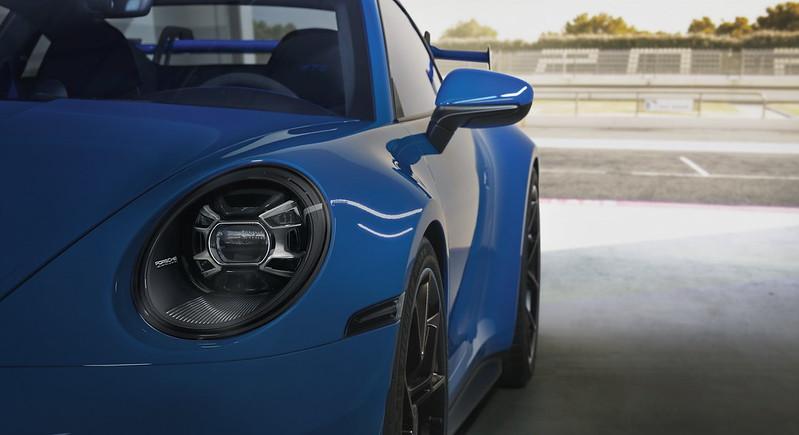 2022-Porsche-911-GT3-19