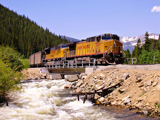 UP 7209 - Tolland, CO - 06132006