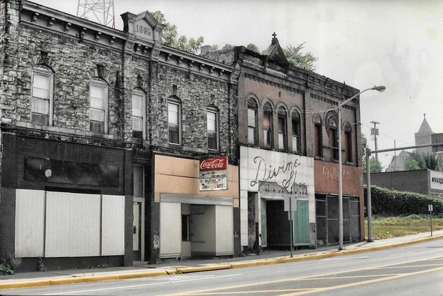 Pulaski Virginia - Abandon Stores - Divine Shop - Across from Railroad Station - Photo 1994