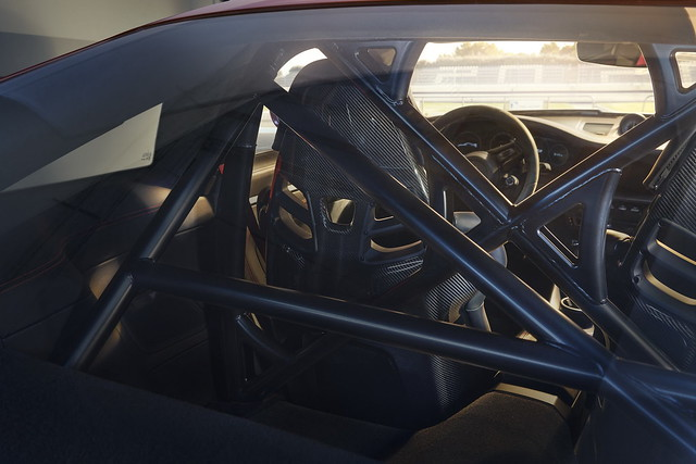2022-Porsche-911-GT3-15
