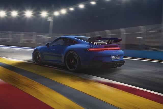2022-Porsche-911-GT3-04