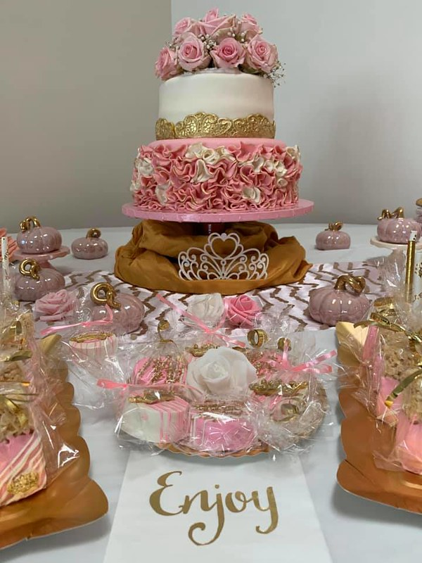 Cake by Sweet Bee's Pastries