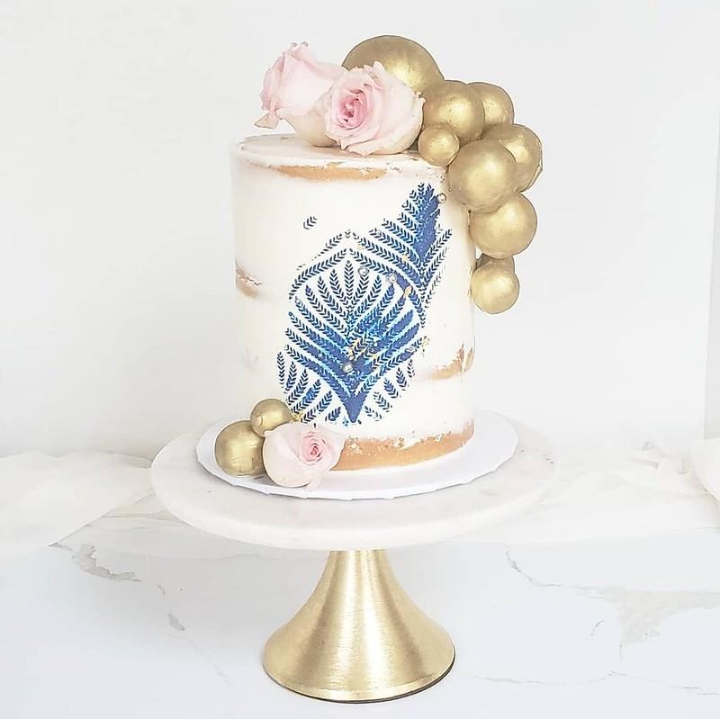 Cake by Glazin' Sweet