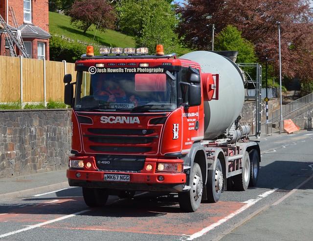 H V Bowens MK67 NGG At Llanfair Caereinion