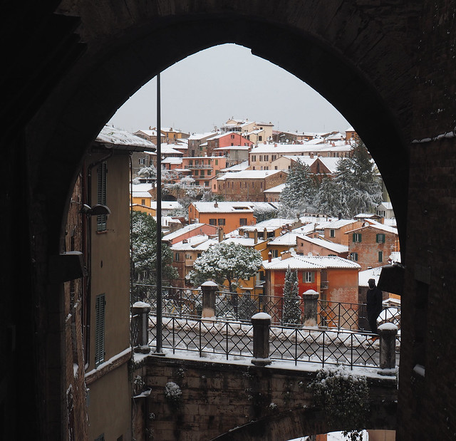 Arco su nevicata - Perugia