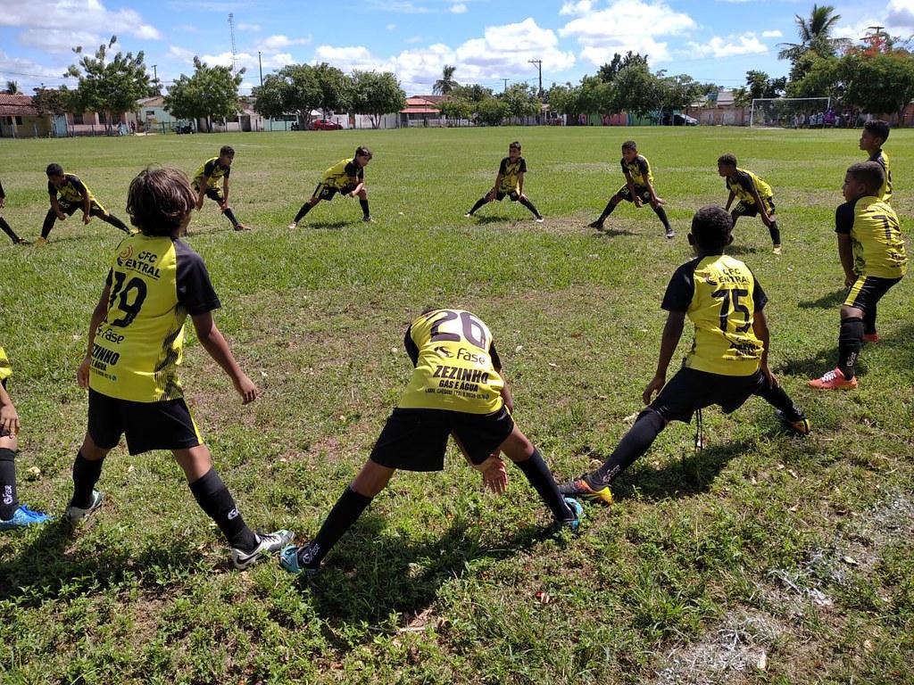 Evento esportivo promovido pela Escolinha de Futebol de São José de Alcobaça (15)