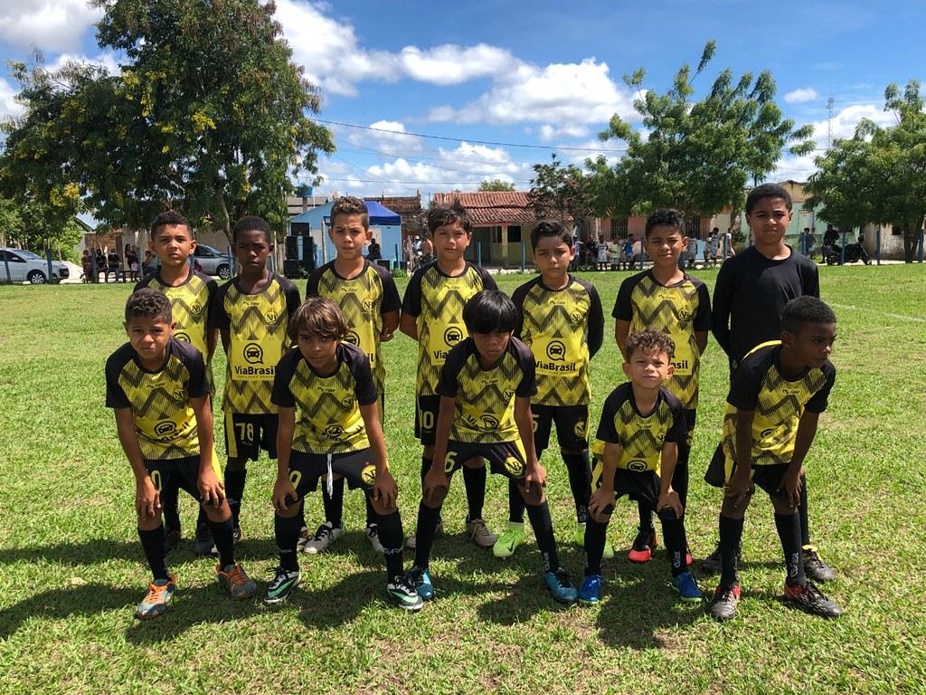 Evento esportivo promovido pela Escolinha de Futebol de São José de Alcobaça (1)
