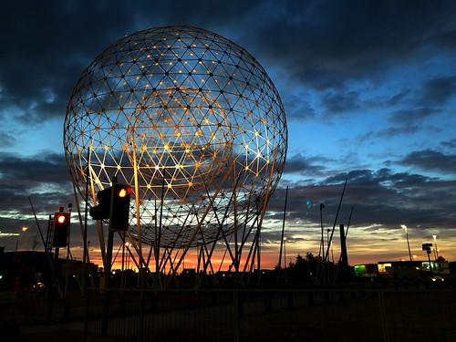 ni northern ireland ulster irish belfast capital city rise sculpture art landmark broadway sunrise daybreak