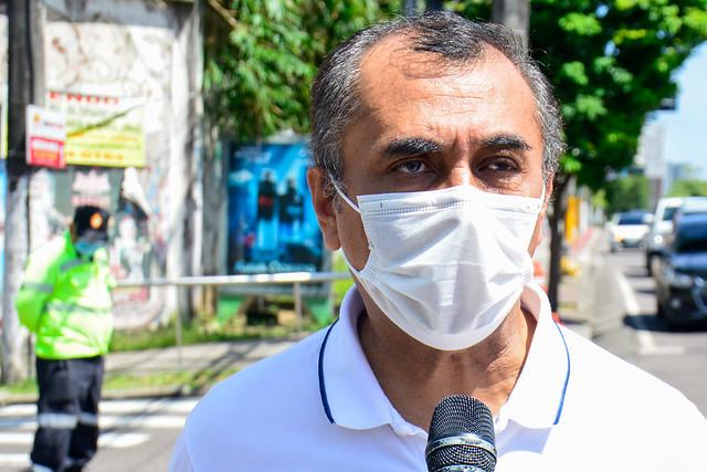 17.02.2021 - Seminf realiza serviço de recuperação de drenagem na João Valério