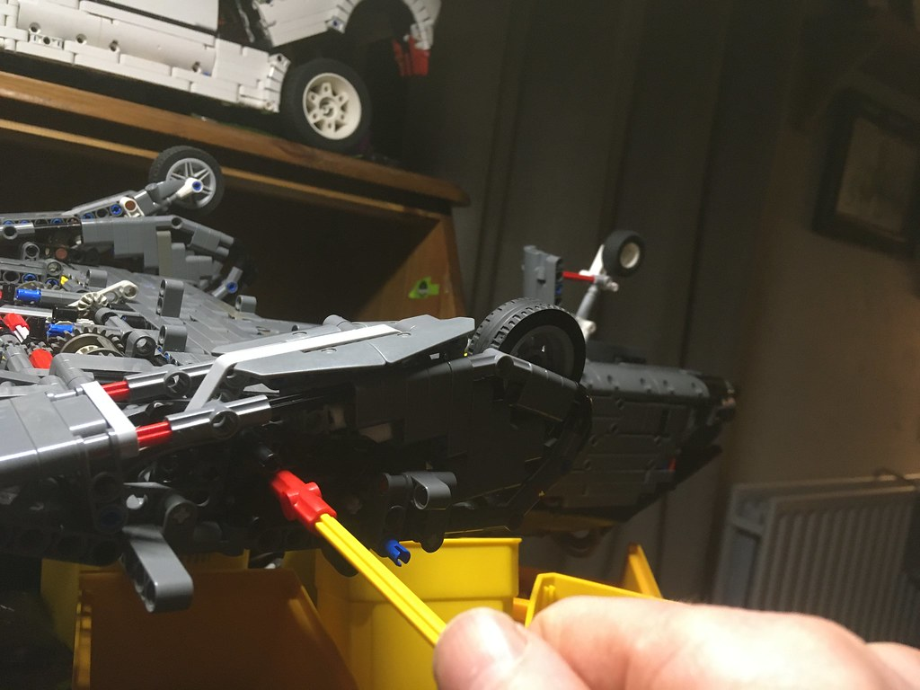 Improved simplified undercarriage.
