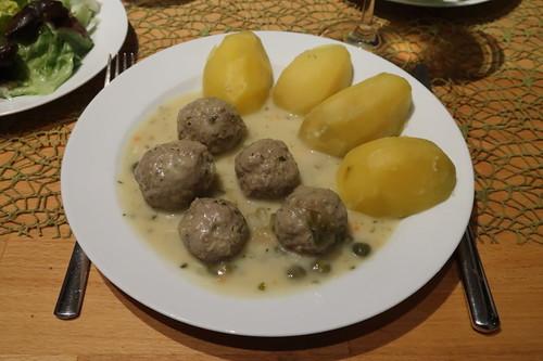 Königsberger Klopse mit Salzkartoffeln (mein Teller)