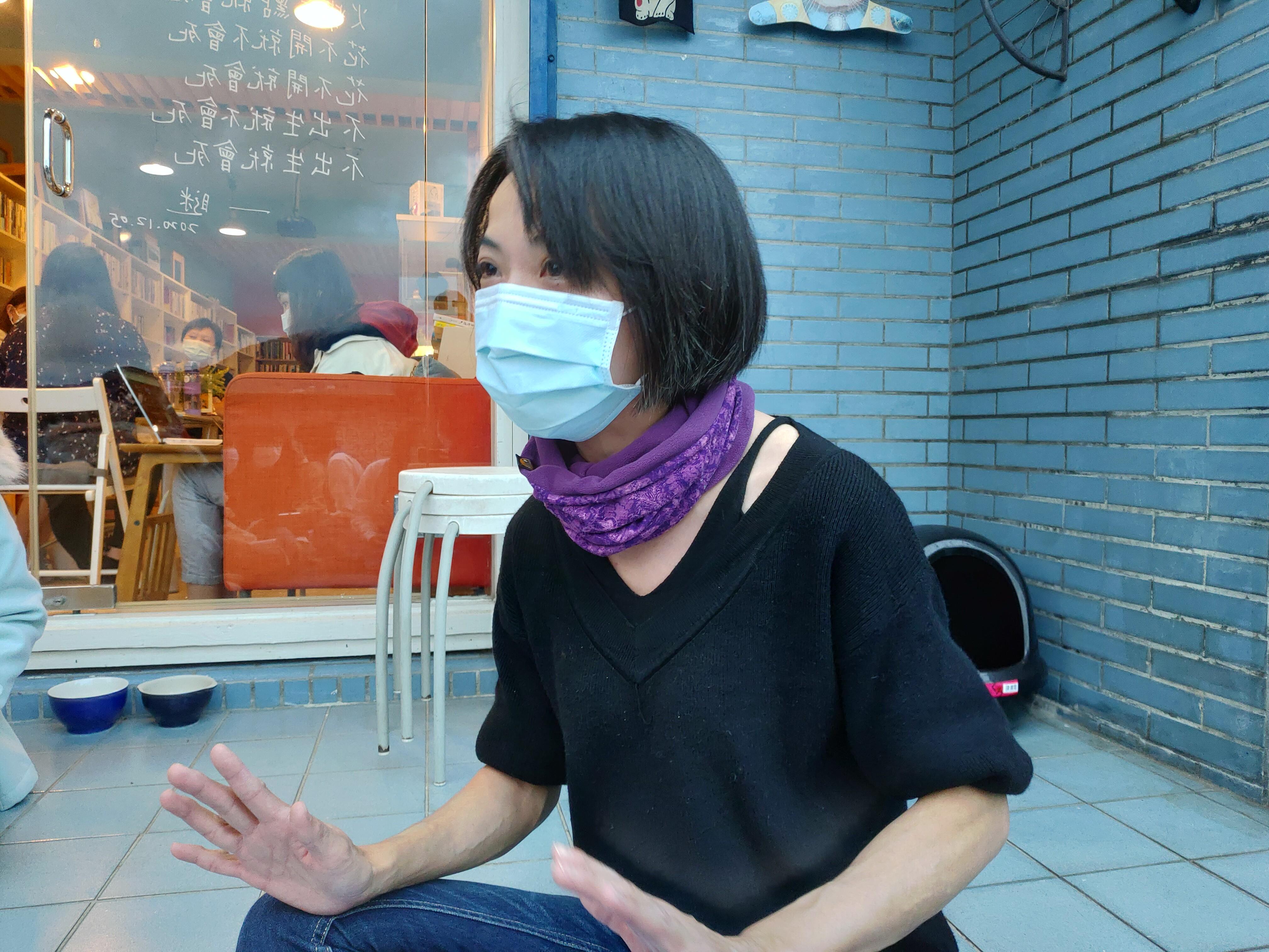 書店無論如河店長之一吳嘉綾(攝影/賴歆琁)