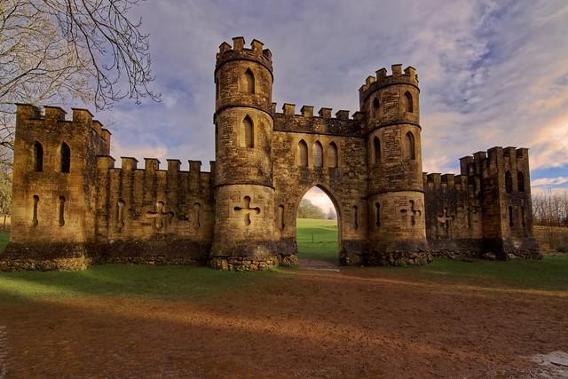 After Tuesdays heavy rain storm ️ out popped the golden sun ⛅...  Sham Castle Bath ❤️