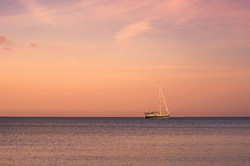sailing sail boat ocean water sunrise magenta nature sea gulfofmexico travel waterscape seascape gulf naples florida usa america unitedstatesofamerica fujifilmxt2 fujixt2 xf1855mmf284rlmois xf1855 fuji1855