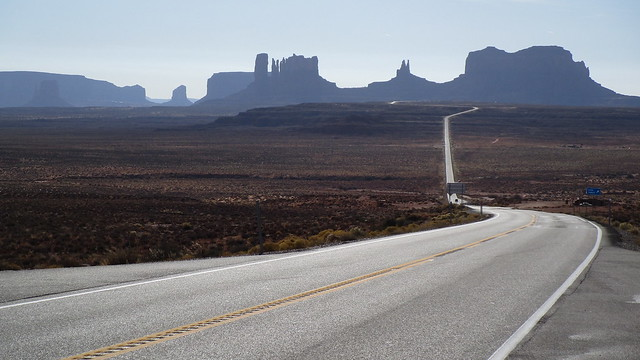 Utah - Oljato-Monument Valley: shortly before arriving on US-163 South (here: near
