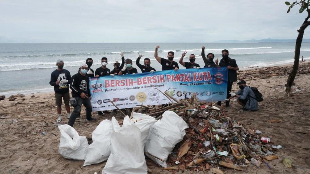 XSR Bersih Pantai Kuta