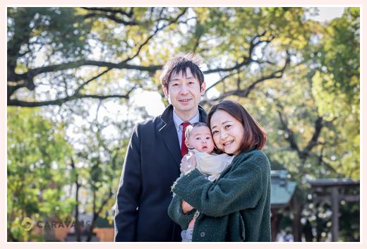 お宮参り 男の子赤ちゃん 家族3人の写真