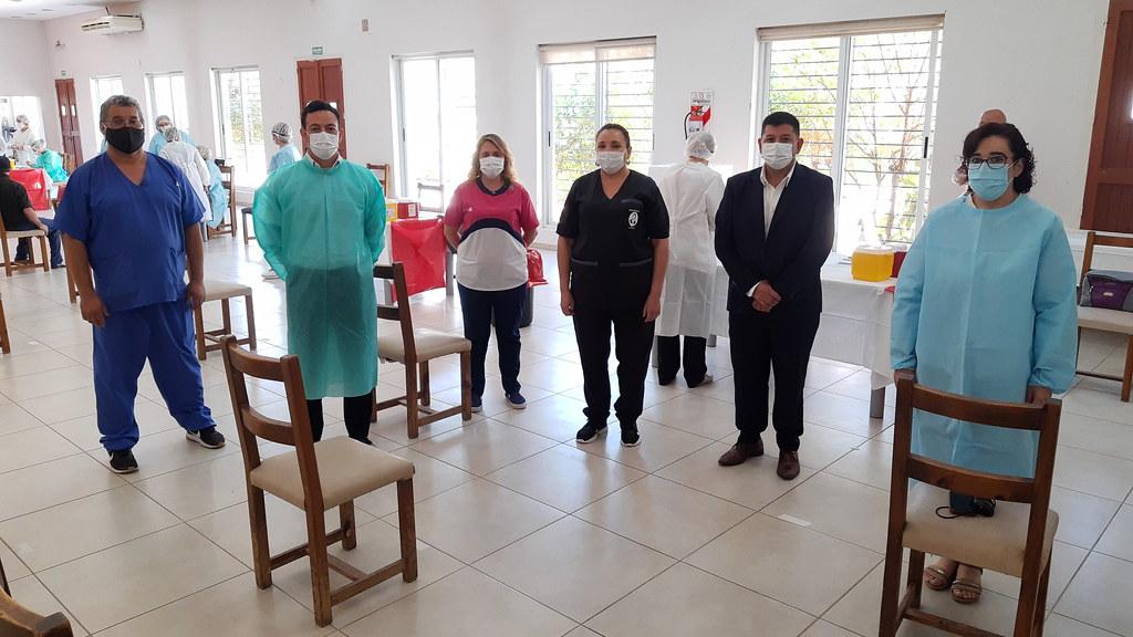 2021-02-18 DESARROLLO HUMANO: Vacunación a residentes del Hogar de Adultos Mayores