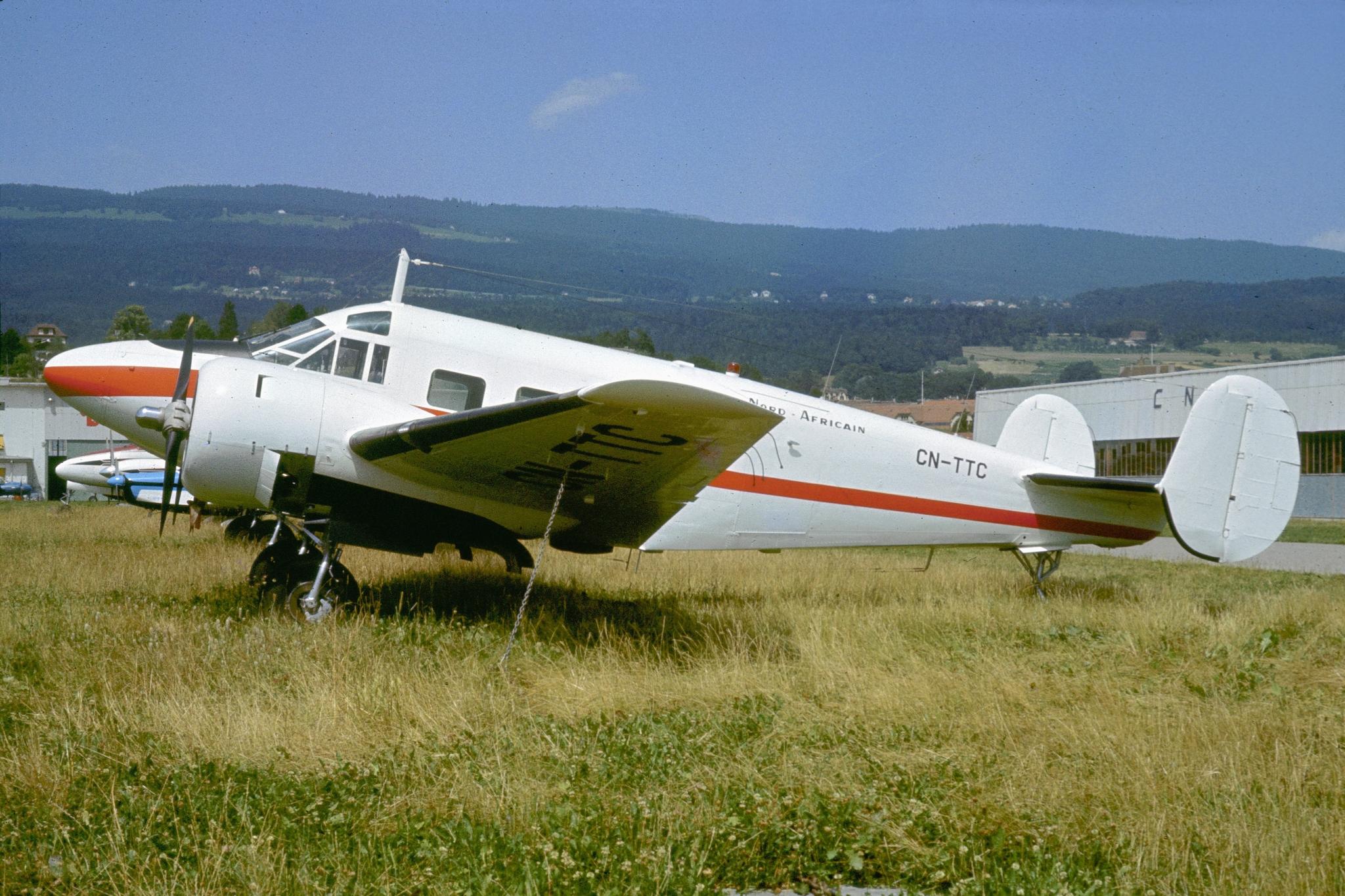 Anciens avions de la RAM - Page 4 50956257248_55fa78e9eb_o_d