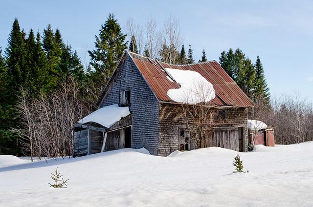 Très vieille maison à St-Narcisse de Rimouski.