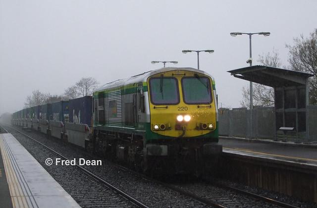 Irish Rail 220 in Monasterevin.