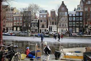 Ready to go skating or sleding on the Prinsengracht in Amsterdam | by B℮n