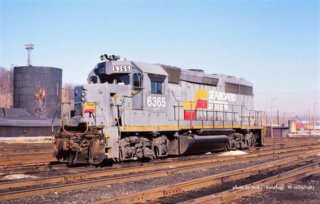 CSX SBD 6365,  GP40, Connellsville, PA. 10-19-1987