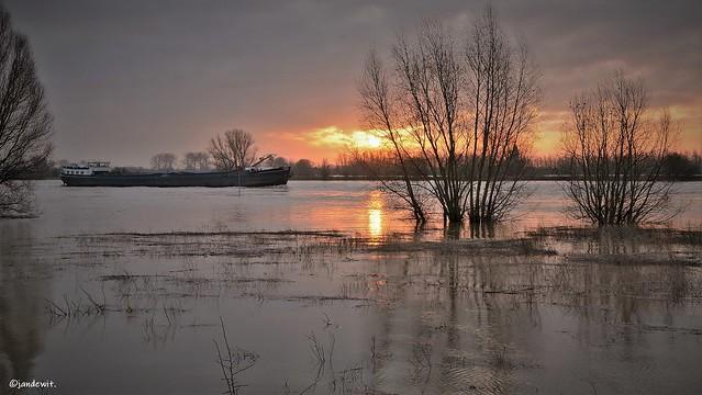 De Rijn bij Wageningen. (Explore)