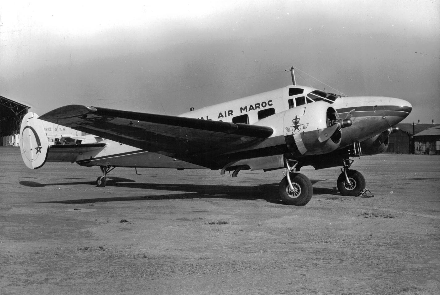 Anciens avions de la RAM - Page 4 50956936426_a2ef3dc89d_o_d