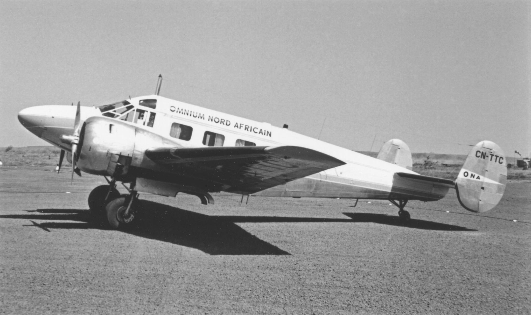 Anciens avions de la RAM - Page 4 50956957011_0b02216253_o_d