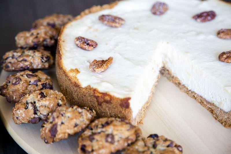 Homemade Durian Cheesecake and Oatmeal Cookies Tuyen Chau