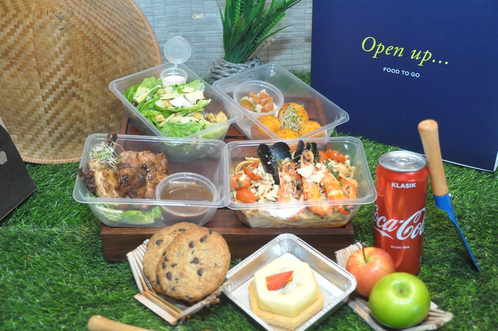 The Food Store, DouleTree by Hilton Melaka - Bento Express