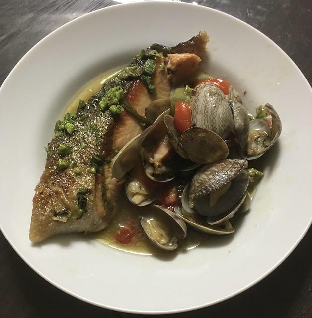 鮭と蕗の薹のアクアパッツア