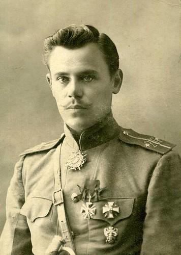 Подпоручик 20-го Туркестанского стрелкового полка. Архангельский Георгий Васильевич. Фото 1915 года.