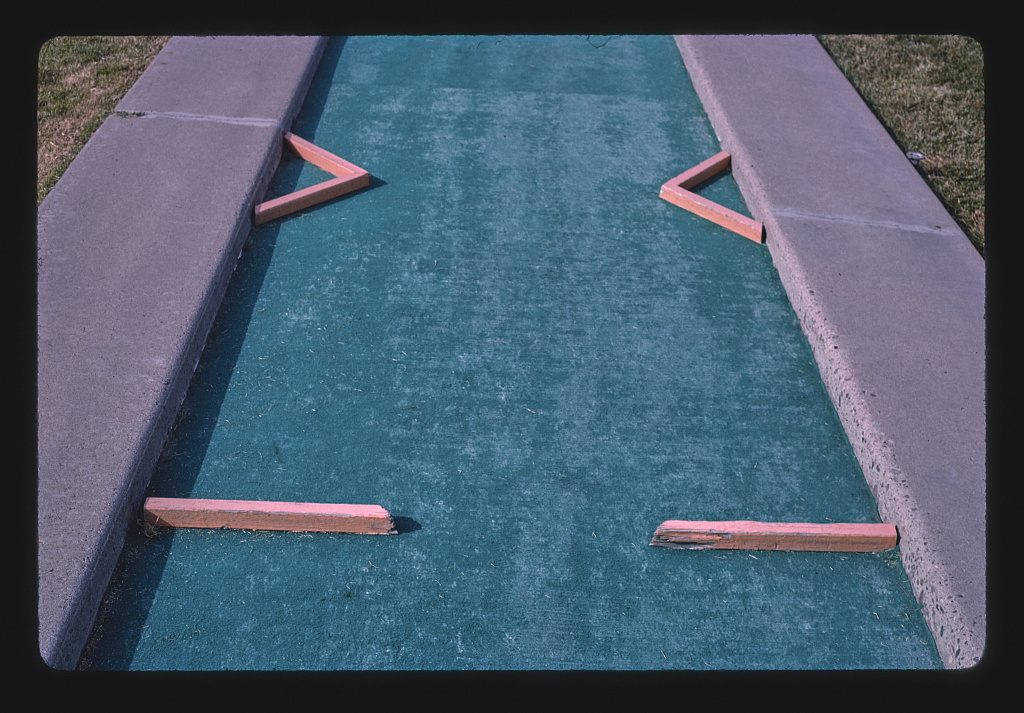 Two bars and two triangles, Leisure Twin Putt, Albuquerque, New Mexico (LOC)