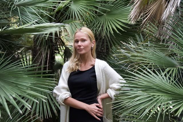Diana Khramenok, russa, busca feina a Barcelona. Fotografiar-la ha estat un plaer. Foto feta al Parc de la Ciutadella, Barcelona. ( In Explore No. 232 on February 21st, 2021 )