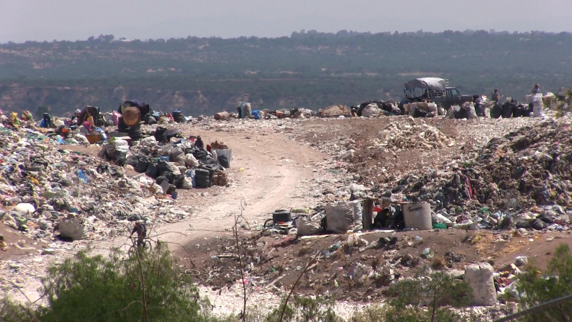 Metano fluye descontrolado en depósitos de basura de México