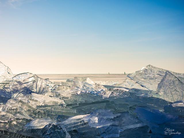 IJsselmeer North-Holland, beautiful drifting ice