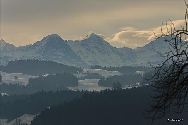 Mönch mit Wolkensaum im Winter
