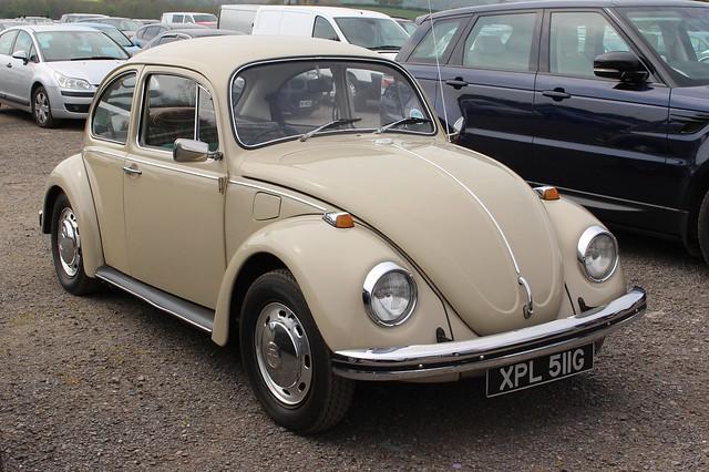 355 Volkswagen Beetle 1300 (1969) XPL 511 G